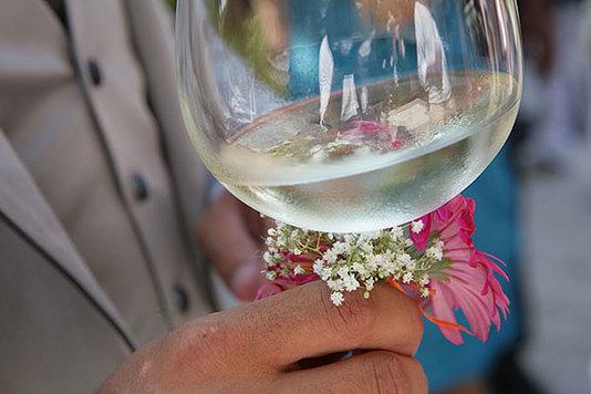 matrimonio calice di vino con bouquet