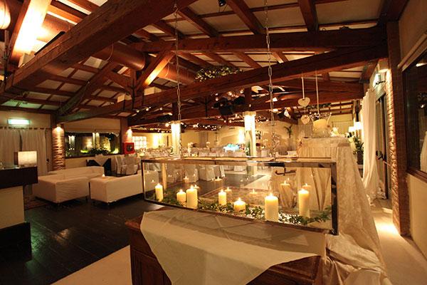 sala da pranzo matrimonio candele e decorazioni in