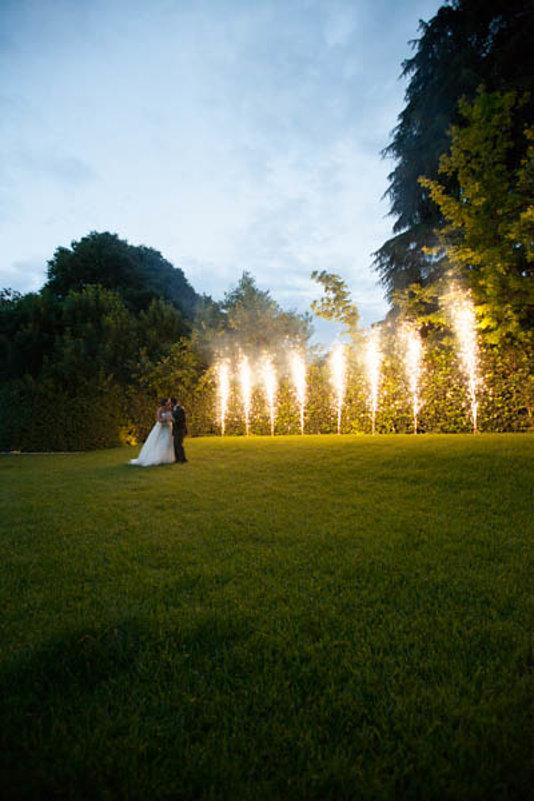 sposi fuochi sfondo