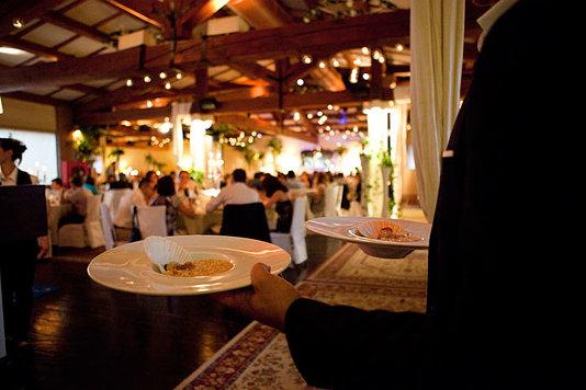 servizio cameriere pranzo nozze