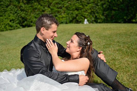 sguardi appassionati sposi